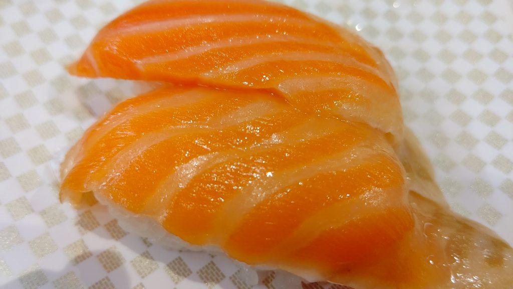 4大100円回転寿司で「サーモン」が一番おいしい店は?!独断と偏見で検証します